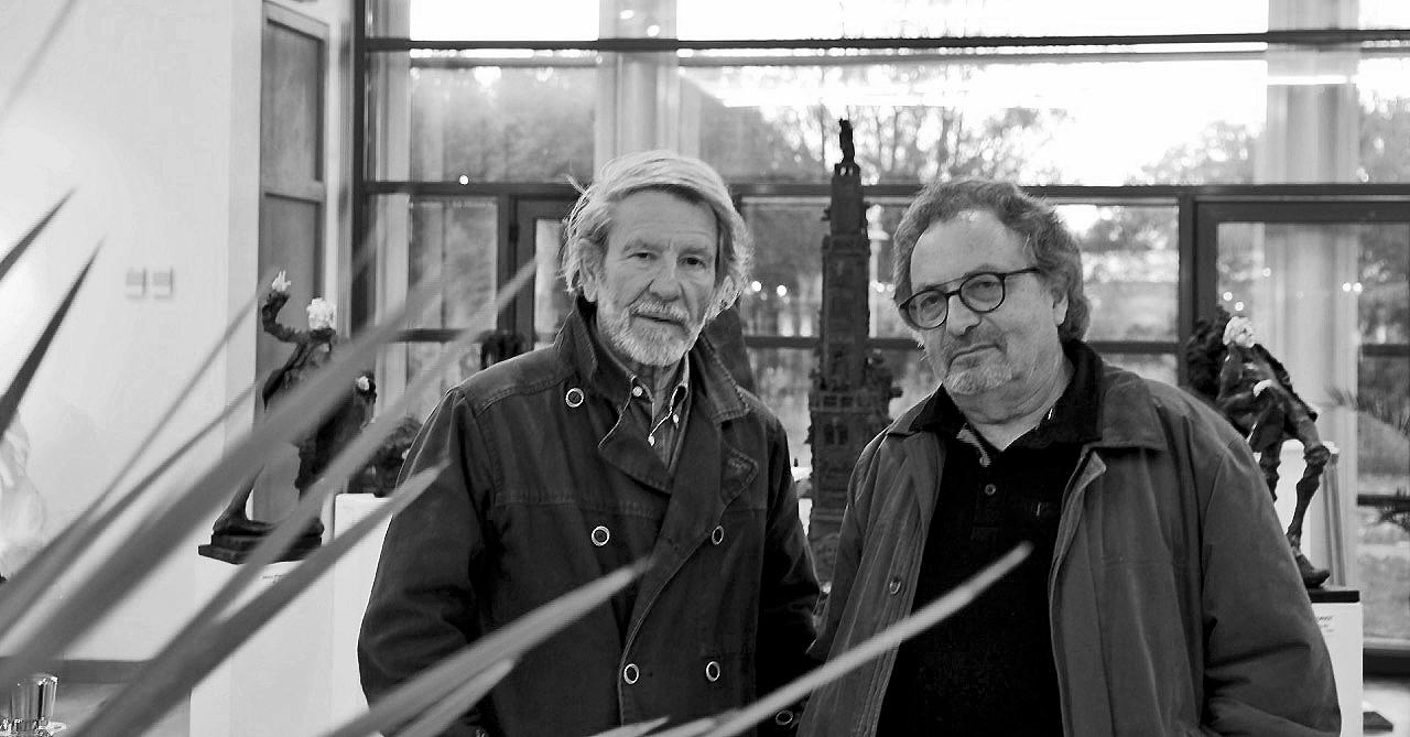 Jean-Pierre Horiot en compagnie de Jean-Joël Brégeon, commissaire de l'exposition.