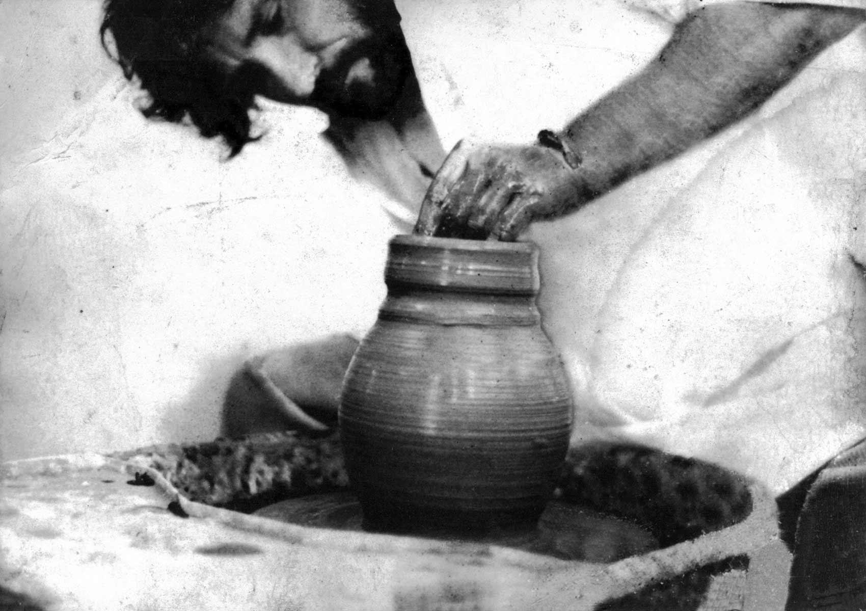 Jean-Pierre Horiot, un sculpteur d'argile, artisan de sa matière